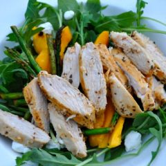 Summer Salad with Chicken, Arugula and Mango